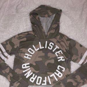 HOLLISTER Cropped Camo Long Sleeve
